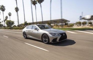 2021_Lexus_LS-500_F-Sport_Atomic_Silver_008_8ee88e0c-eccd-4d3a-9720-50967229e8ba-prv
